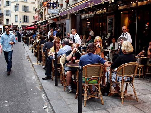 A Crowded Cafe in Paris